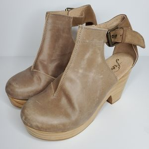 NWOT Free People Amber Orchard Clog Taupe 37